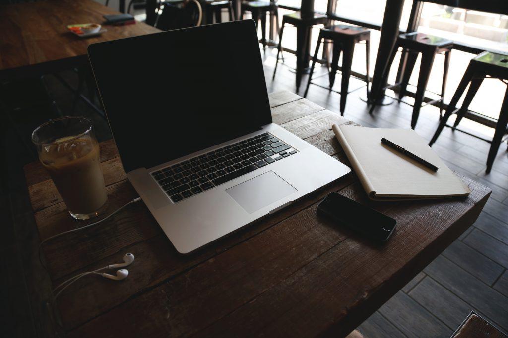 cafetería traducción